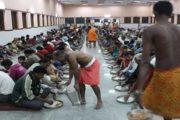 गुरुद्वारा ने अपनाए सैकड़ों भूखे मजदूर परिवार