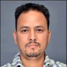लेखक, आनंद राज, सामाजिक, राजनीतिक मामलों के टिप्पणीकार हैं।