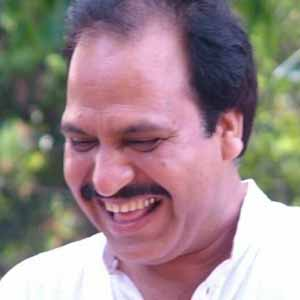 लेखक, हिमांशु कुमार आदिवासियों के अधिकारों से लिए सक्रिय सामाजिक कार्यकर्ता हैं।